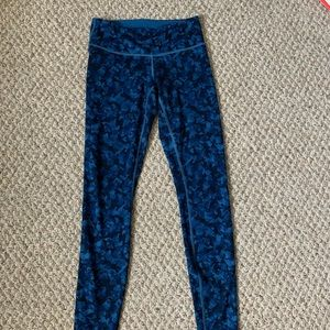 CUTE lululemon leggings with flower design size 4